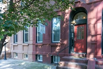2113 N Howard Street Studio-2 Beds Apartment for Rent Photo Gallery 1