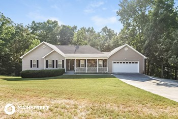 145 Vaughn Spur NE 3 Beds House for Rent Photo Gallery 1
