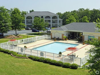 1500 Parham Pointe Dr 1-2 Beds Apartment for Rent Photo Gallery 1