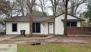 7433 Yoe St 3 Beds House for Rent Photo Gallery 1