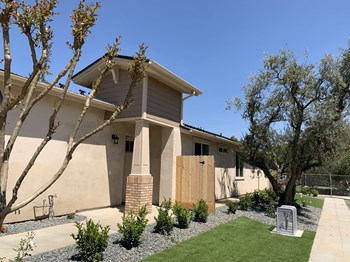 512 W. San Jose Avenue 3 Beds Apartment for Rent Photo Gallery 1
