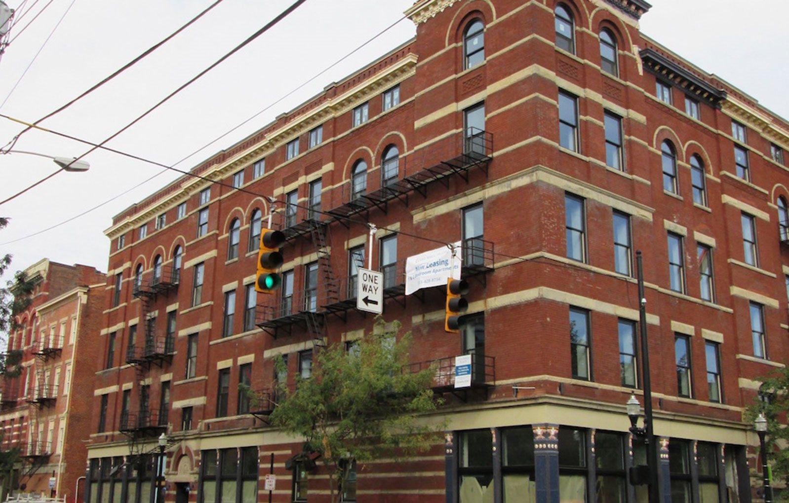 exterior of building_Columbia Flats Apartments Cincinnati, OH