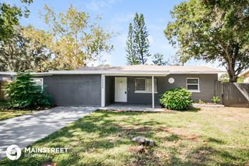 10652 104th St 4 Beds House for Rent Photo Gallery 1
