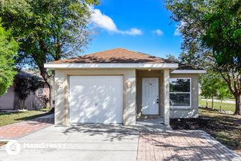 1712 18th St E 3 Beds House for Rent Photo Gallery 1