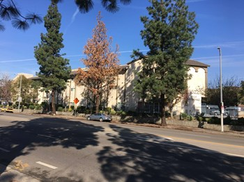 8522 Glenoaks Blvd 2 Beds Apartment for Rent Photo Gallery 1