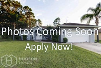 1361 Se Rascal St 3 Beds House for Rent Photo Gallery 1