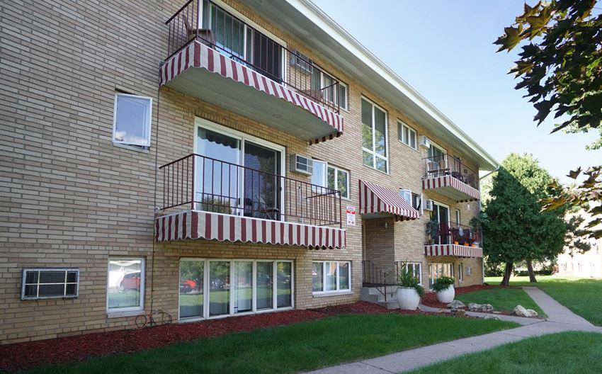 Xerxes Apartments exterior