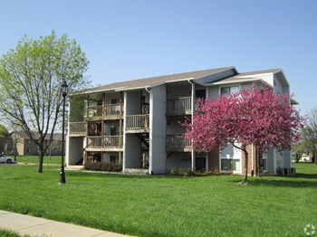 2536 SW Brandywine Ln 1-3 Beds Apartment for Rent Photo Gallery 1