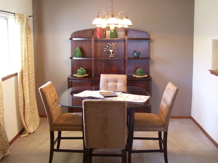 Apartments in Topeka, KS dining room