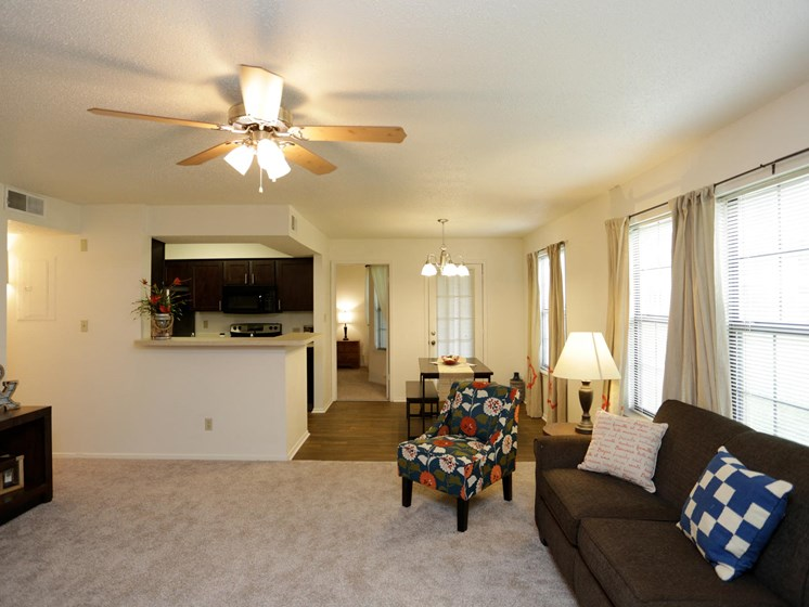 Apartments in Topeka, KS living room