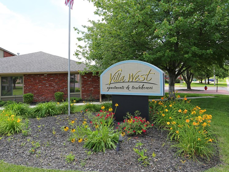 Welcome Home to Villa West Apartments & Townhomes in Southwest Topeka, KS!