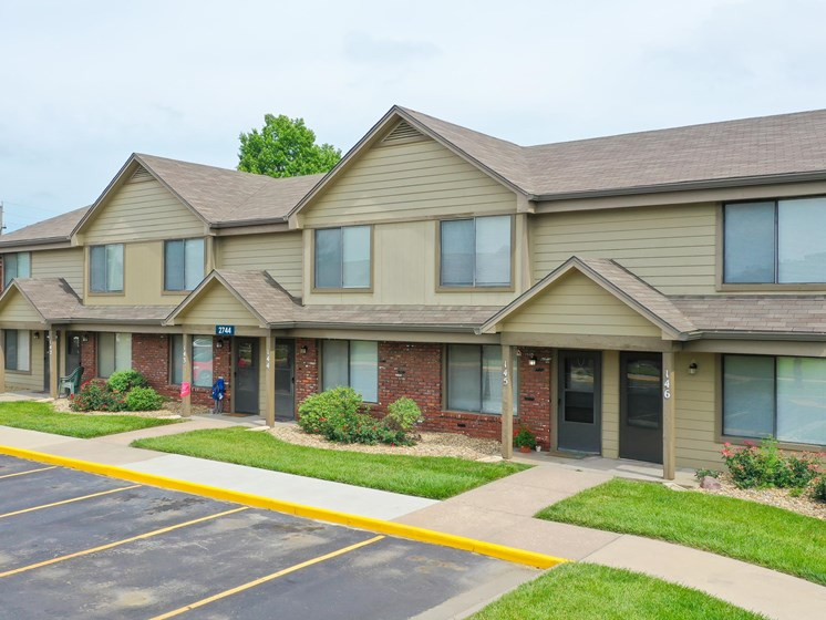 Beautiful Townhomes at Villa West in Southwest Topeka, KS!