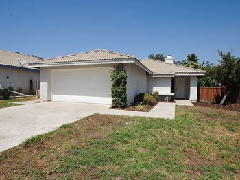 22802 Springdale Drive 3 Beds House for Rent Photo Gallery 1