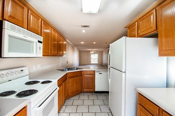 2 Windsor Dr 2 Beds Apartment for Rent Photo Gallery 1