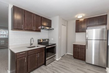 1640 E Woodward Heights 1-2 Beds Apartment for Rent Photo Gallery 1