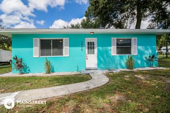 1935 16th Ave N 3 Beds House for Rent Photo Gallery 1