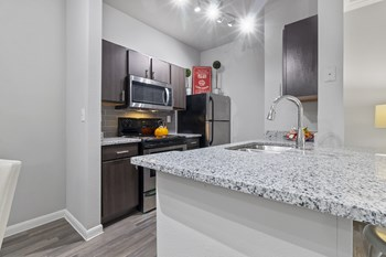 5655 UTSA Blvd 1-3 Beds Apartment for Rent Photo Gallery 1