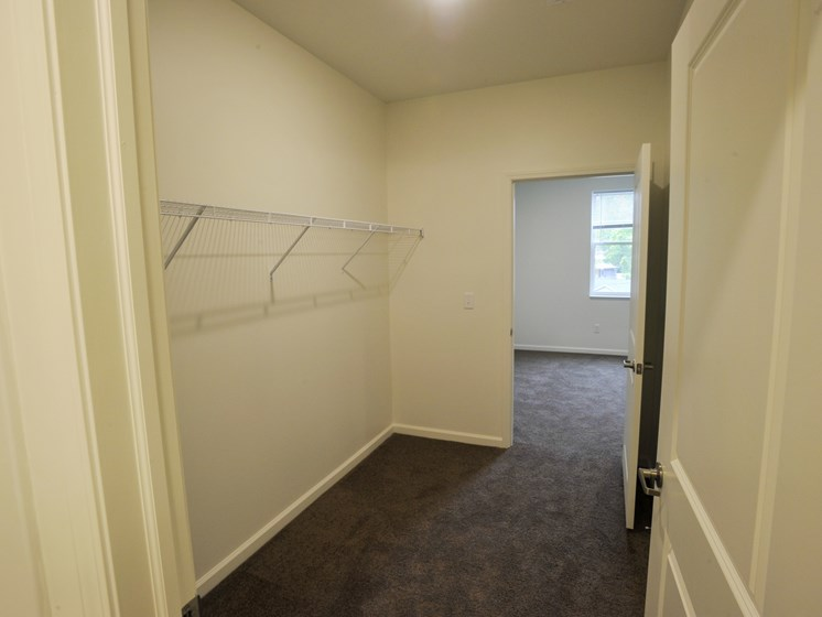 1 bedroom closet union at crescent