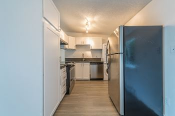 12020 Why Worry Lane 2-3 Beds Apartment for Rent Photo Gallery 1