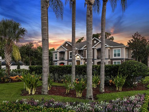 Fountain Villas Community Exterior Dusk