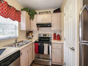 1913 Woodhaven Circle 2 Beds Apartment for Rent Photo Gallery 1