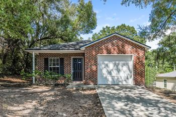 2115 5th Ave 3 Beds House for Rent Photo Gallery 1