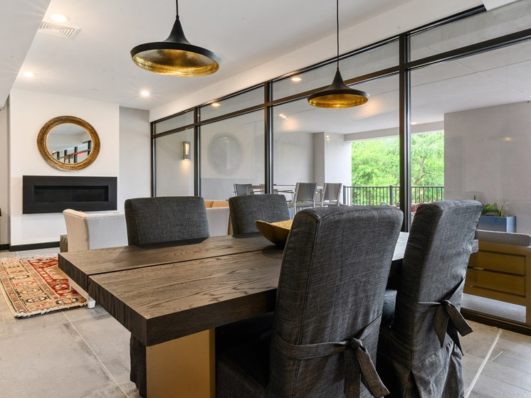 Co-working space in Main Line apartments with large table and plenty of seating