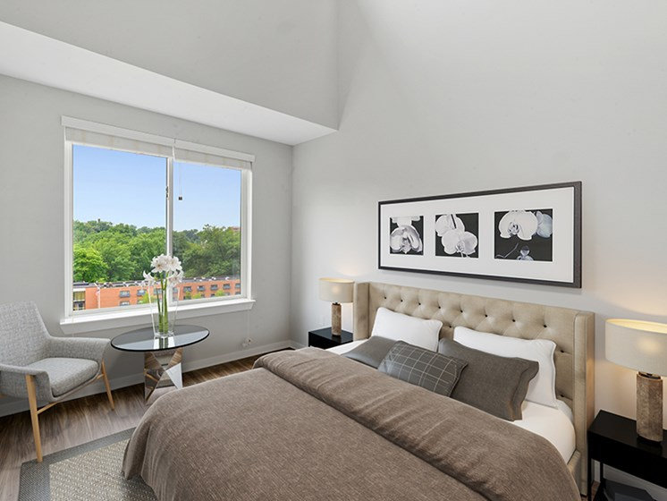 Master bedroom in apartment for rent near Philadelphia with high ceilings and vinyl flooring