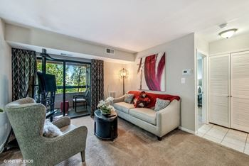 400 Taylor Street, NE 1-2 Beds Apartment for Rent Photo Gallery 1