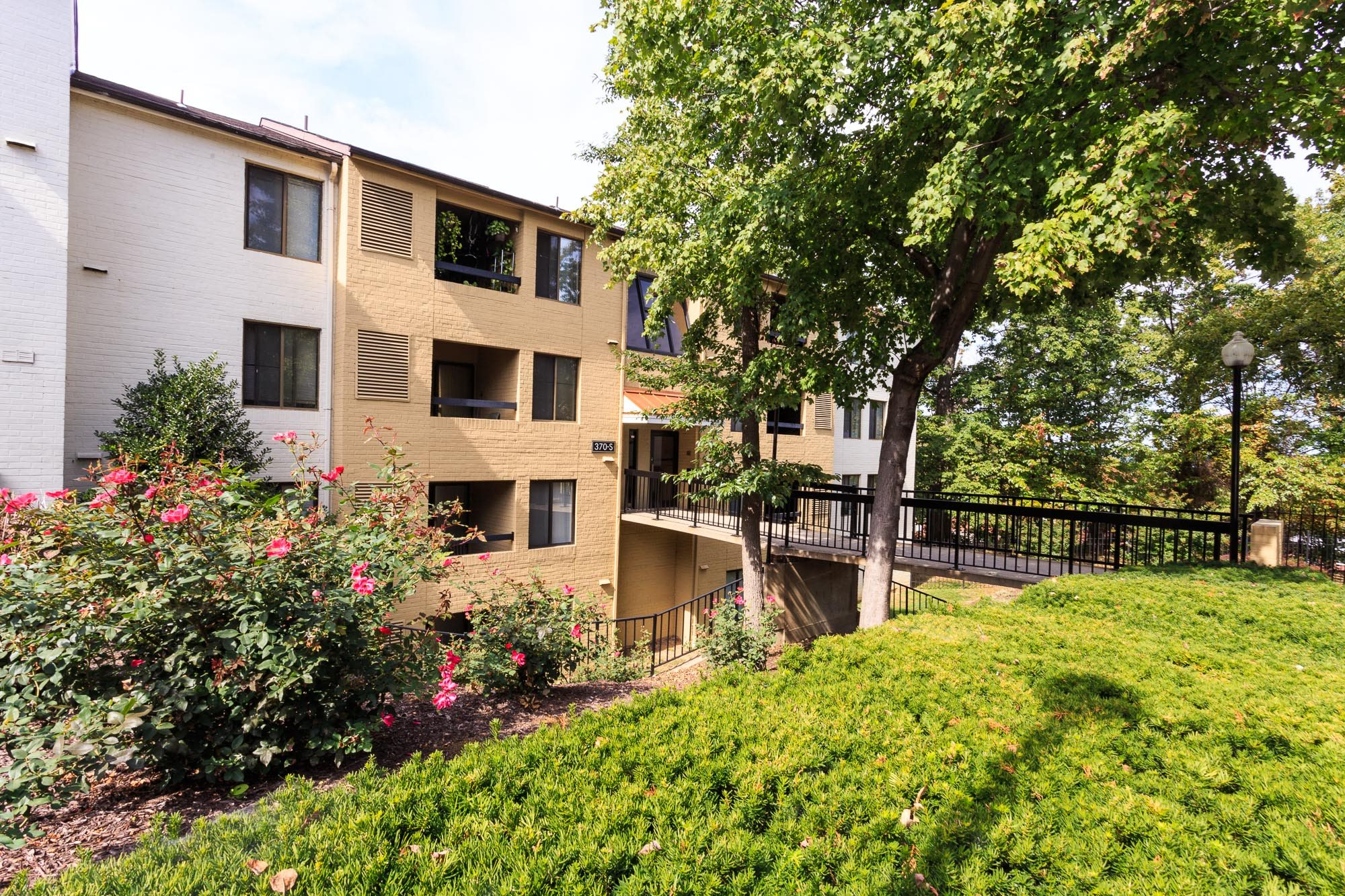 Quiet Community in Wooded Setting at Brookland Ridge Apartments, Washington