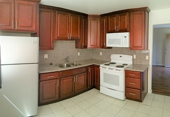 365 Chiquita Avenue 1-2 Beds Apartment for Rent Photo Gallery 1