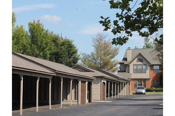 private garages and carports at Park Laureate in Jeffersontown, Louisville, KY 40220