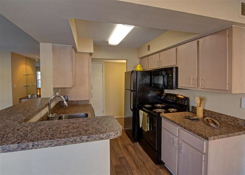 open-concept upgraded kitchen at Park Laureate in Jeffersontown, Louisville, KY 40220