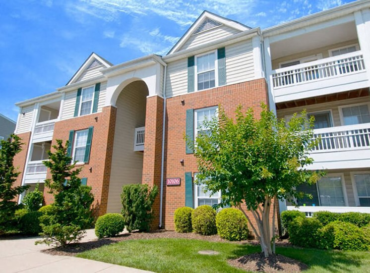 External Apartment View at Brittany Commons Apartments, Virginia