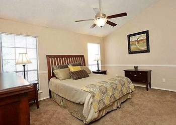 600 Wembley Circle 1-2 Beds Townhouse for Rent Photo Gallery 1