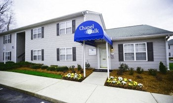 1370-J Lee's Chapel Road 1-2 Beds Apartment for Rent Photo Gallery 1