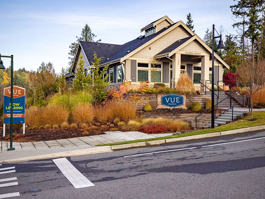 Street view off leasing office and monument sign l Vue Issaquah Apartments