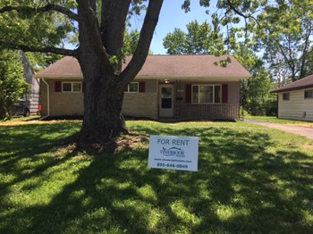 2220 Brentnell Ave 3 Beds House for Rent Photo Gallery 1