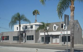 400 South Gaffey St Studio-2 Beds Apartment for Rent Photo Gallery 1