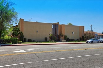 11816 Downey Avenue 3 Beds Apartment for Rent Photo Gallery 1