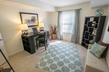 5545 Summer Ridge Boulevard 1-2 Beds Apartment for Rent Photo Gallery 1