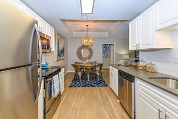 4921 Bluffton Parkway 1-3 Beds Apartment for Rent Photo Gallery 1