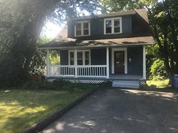 1654 Stanley Street 4 Beds House for Rent Photo Gallery 1