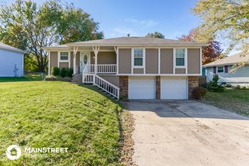 145 SW 26th St 3 Beds House for Rent Photo Gallery 1