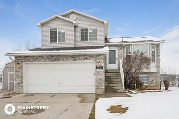 5321 S 4250 W 4 Beds House for Rent Photo Gallery 1