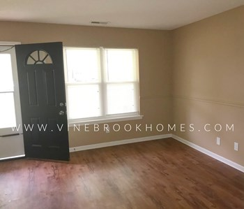 2900 Devon Cir 3 Beds House for Rent Photo Gallery 1