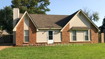 4776 Stoney Hill Dr 3 Beds House for Rent Photo Gallery 1
