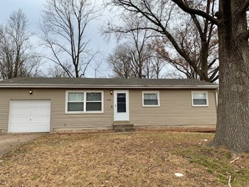 1365 Broadlawns Ln 3 Beds House for Rent Photo Gallery 1