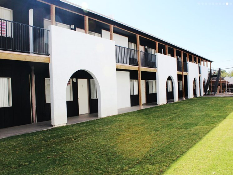 exterior and landscaping at Fort Lowell Canyon Apartments in Tucson AZ