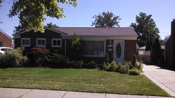 5742 Amboy Street 3 Beds House for Rent Photo Gallery 1